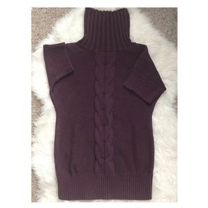 Plum colored cable knit sweater 😍